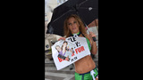 PETA's 'Sexy Mermaid' Protests Fish Cruelty… - (25/25)