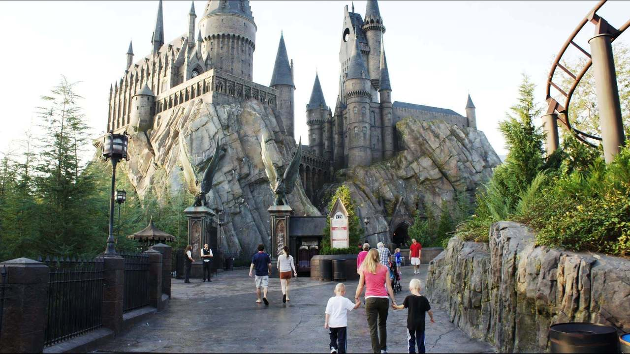 blog_OINFORM_early-park-admission-universal-wizarding-world-of-harry-potter-718-oi_3263562_ver1.0_1280_720.JPG
