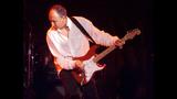 Who guitarist pens memoir - (14/21)