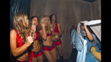 Buccaneers Cheerleaders at Busch Gardens'… - (8/15)