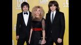 2012 CMA Awards Red Carpet - (14/14)