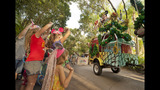 Holidays at Walt Disney World - (7/13)
