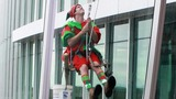 High flying elves wash windows at Nemours… - (6/10)