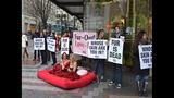 PETA's 'Sexy Mermaid' Protests Fish Cruelty… - (1/25)