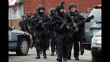 Photos: Police converge on Watertown, Mass. - (20/25)