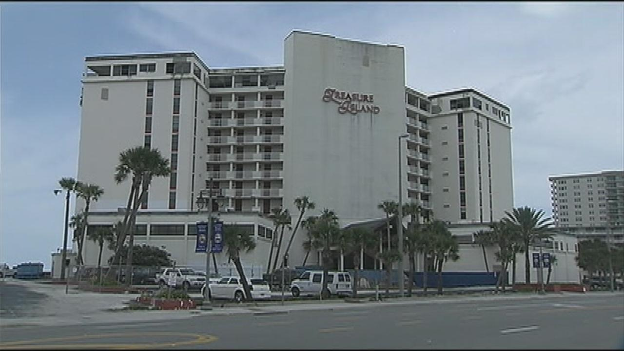New Proposal Could Allow Daytona Beach Ss Officials To Deal With Treasure Island Hotel Wftv