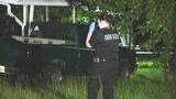 Photos: Elderly man shoots at paramedics - (6/8)