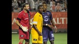 City trounces Pittsburgh in playoff opener - (17/25)