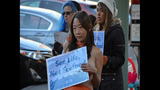 PETA's 'Sexy Mermaid' Protests Fish Cruelty… - (18/25)