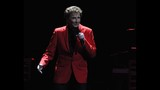 Manilow wows Amway Center crowd - (11/19)