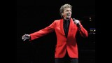 Manilow wows Amway Center crowd - (5/19)