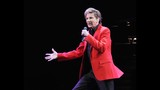 Manilow wows Amway Center crowd - (1/19)