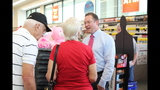 Photos: Tom Terry visits Palm Bay Walgreens - (13/25)