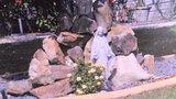 Photos: Controversial Virgin Mary statue - (2/3)