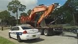 Photos: Tractor-trailer crashes into… - (3/7)