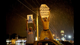 Photos: New violence in Ferguson - (15/25)