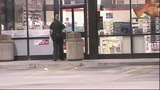 Photos: 7-Eleven robbed at gunpoint - (4/6)