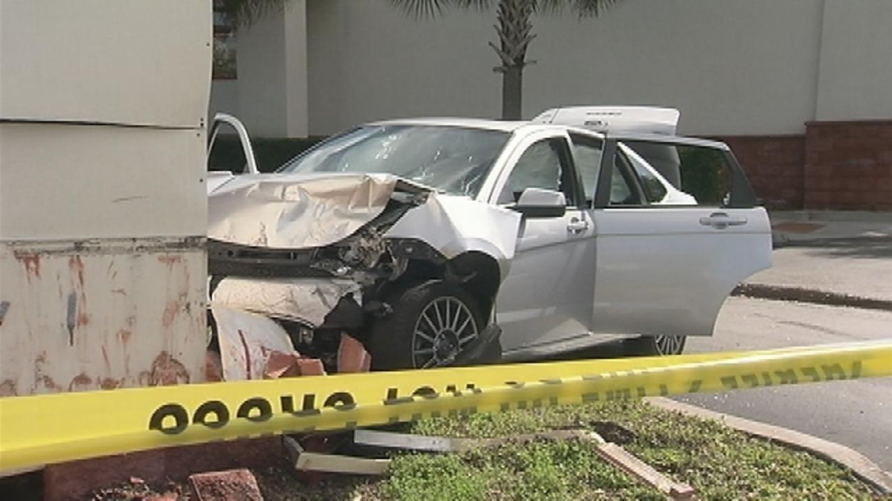 Shootout Ends In Crash In Front Of Orlando Cvs Wftv