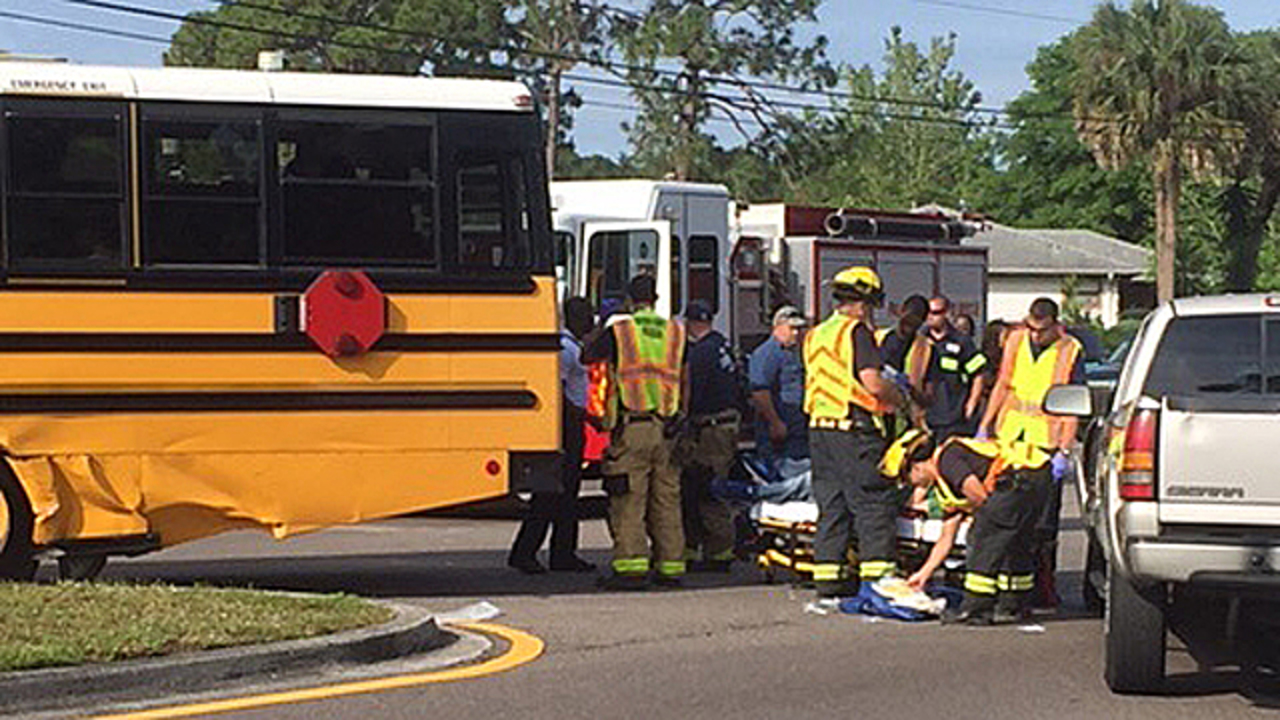 4 students injured in Palm Bay school bus crash - WFTV