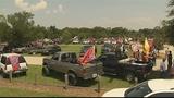 Hundreds gather for Confederate flag rally_7643579