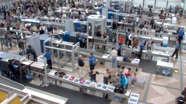 Long TSA Lines at Chicago O'Hare Airport