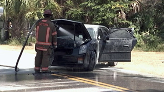 Police: Fire engulfs car after Daytona Beach man flees traffic stop, crashes
