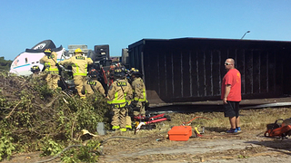 I-95 north in West Melbourne closed after tractor-trailer overturns