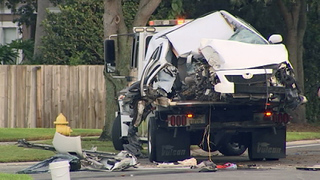 Woman, 18, dies when car crashes into tree in Winter Springs