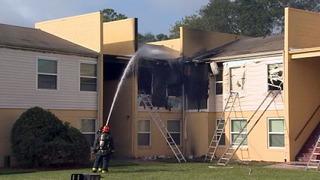 Fire destroys 3 apartments in Orlando
