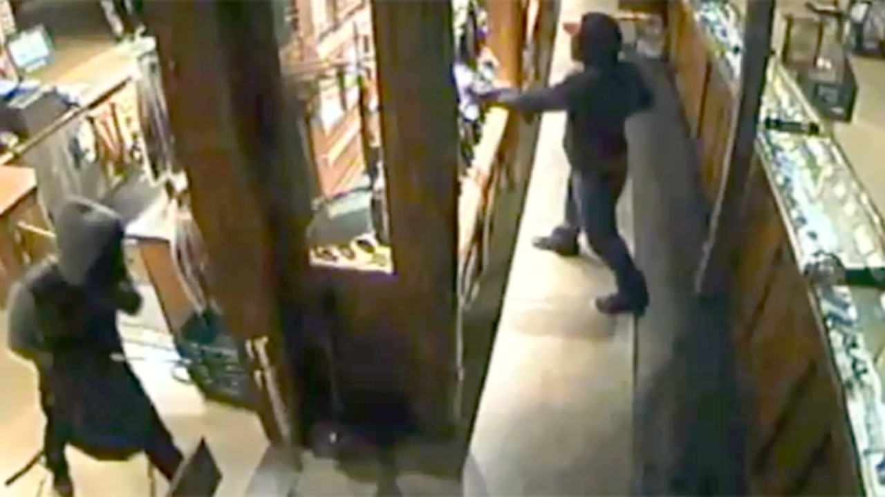 Image result for Police seek burglars who stole rifles from Orlando Bass Pro Shop