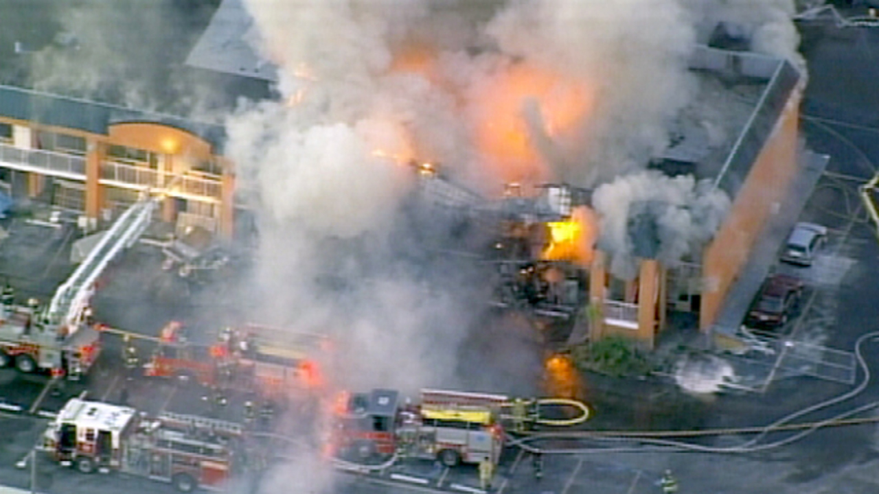 Kissimmee Hotel Fire Victims Worry Signing Form To Get Money Back May Hurt In The Long Run Wftv