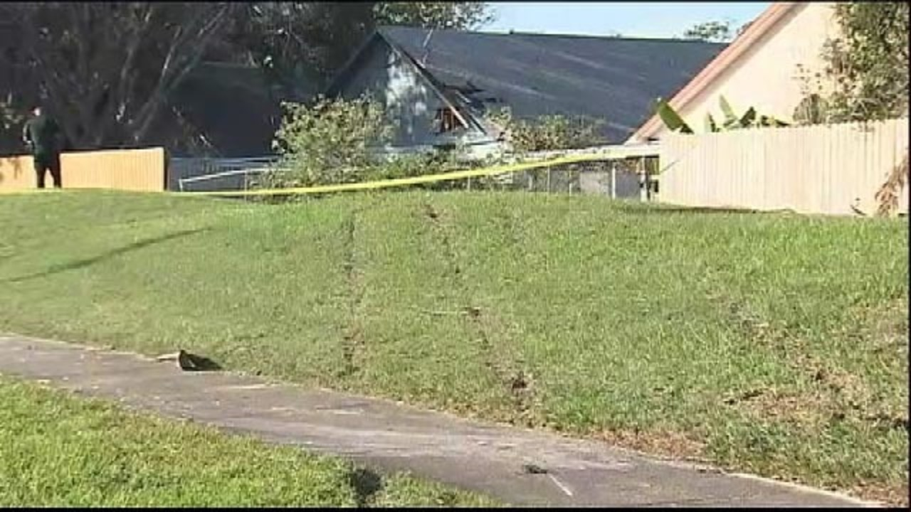man dies after he crashes vehicle into orange county home