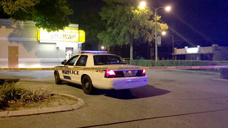 Man shot twice during attempted robbery at Orlando Subway, police say