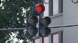 Video: Traffic lights impacted by Hurricane Irma