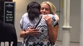 Las Vegas survivor returns to Orlando, reunites with mom