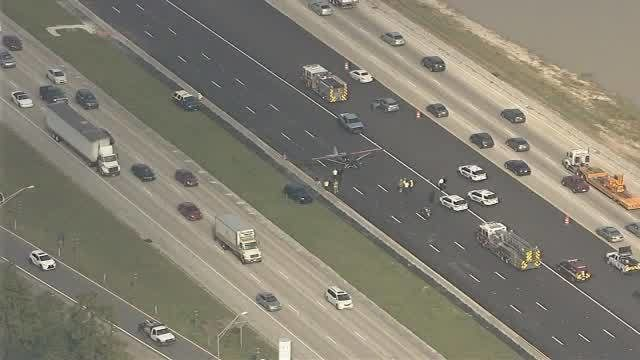Plane makes emergency landing on Interstate 4