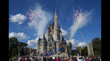 Video: Disney offering hiring bonuses while unions prepare to return to the bargaining table