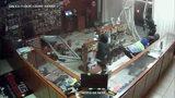 VIDEO: Burglary suspects crash pickup truck into Osceola County gun store