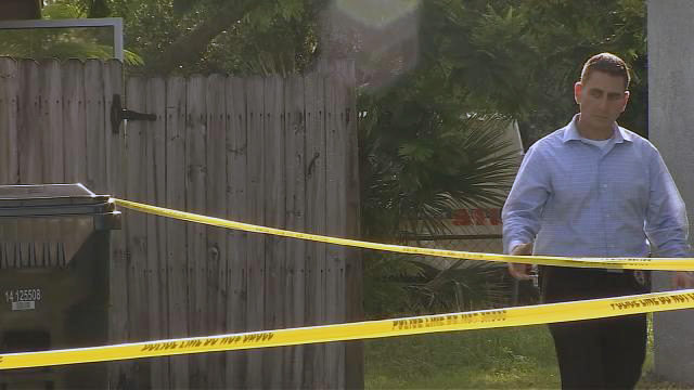 Police discover man's body at Orlando home where large