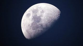 NASA unveils plans to return to the moon, possibly in 2019