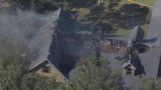 Crews battle raging house fire in Melbourne