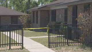 Assailant at large after stabbing woman in Apopka apartment, deputies say