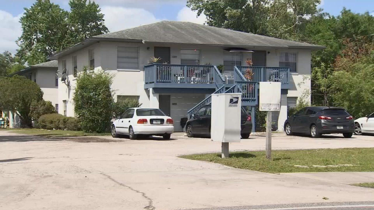 Nearly a dozen arrested in Orange County apartment complex