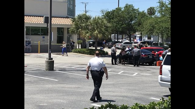 Daytona Beach police shoot man accused of storming Walgreens with rifle, demanding narcotics
