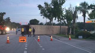 3 teens arrested after crashing stolen car into semitruck in DeLand, police say