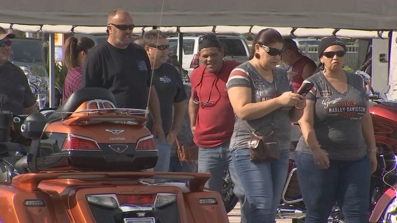 Thousands of bikers cruise into Daytona Beach for Biketoberfest